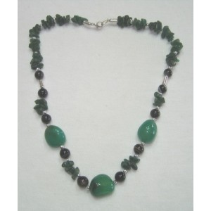 Green Onyx Tumble Stone Necklace with Green Aventruine Chips.